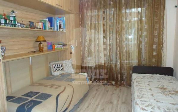тристаен апартамент поморие 6j2lxdeg