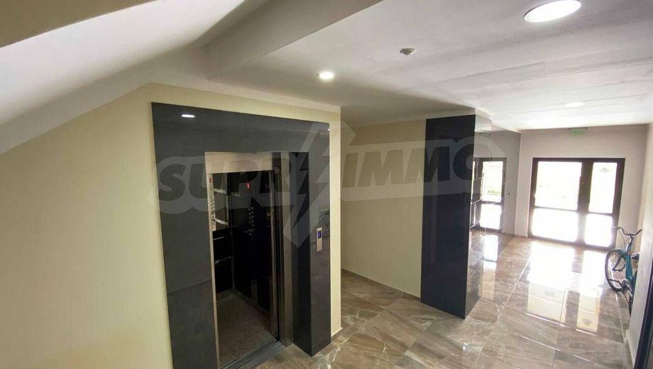 тристаен апартамент поморие yhjmwsuh