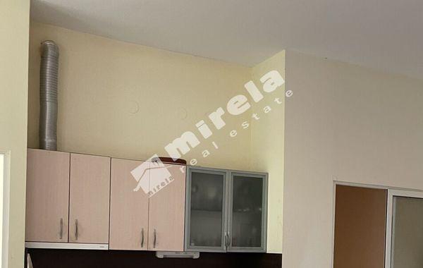 тристаен апартамент приморско c8n3rj9a