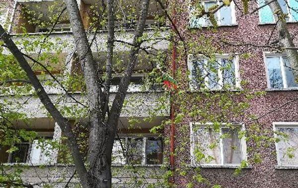 тристаен апартамент първомай vncqkv64