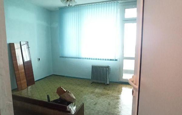 тристаен апартамент раднево 2la5c9cs