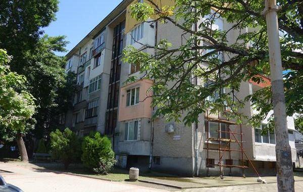 тристаен апартамент раднево 87lkrca1