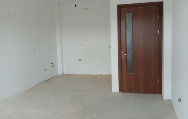 тристаен апартамент разград 5l1pcku4