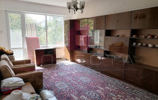 тристаен апартамент русе wnkjju44