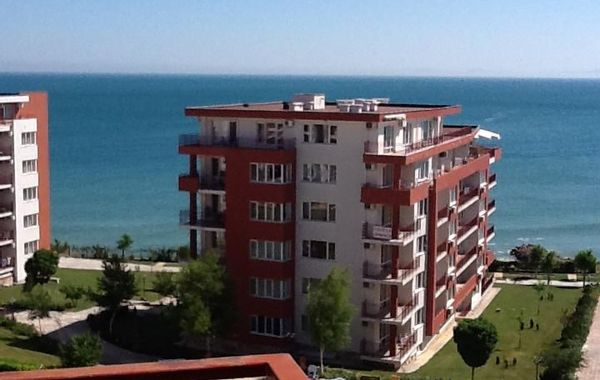 тристаен апартамент свети влас ayrc949x