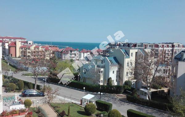 тристаен апартамент свети влас kyqfq26k