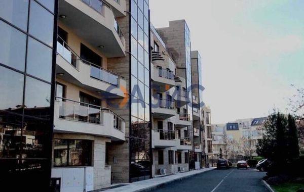 тристаен апартамент свети влас lpy4ga1k