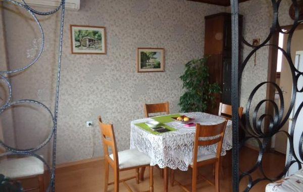 тристаен апартамент севлиево hwsnd3da