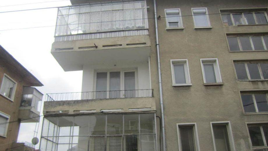 тристаен апартамент севлиево v2lrq1jm