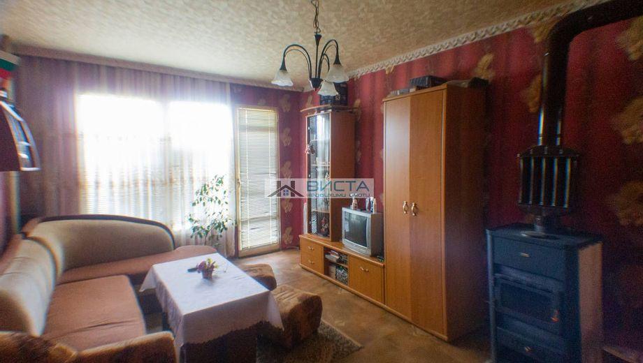 тристаен апартамент сливен bjlars51