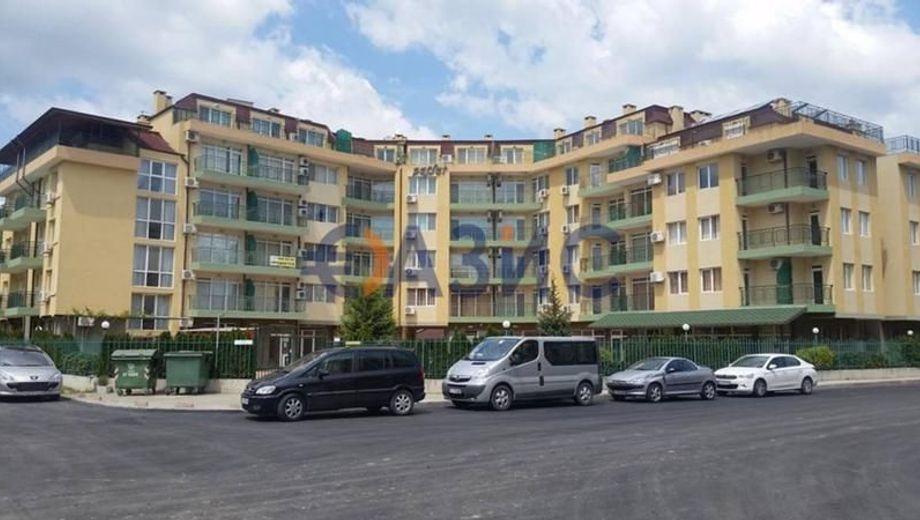 тристаен апартамент слънчев бряг jsbynbq9