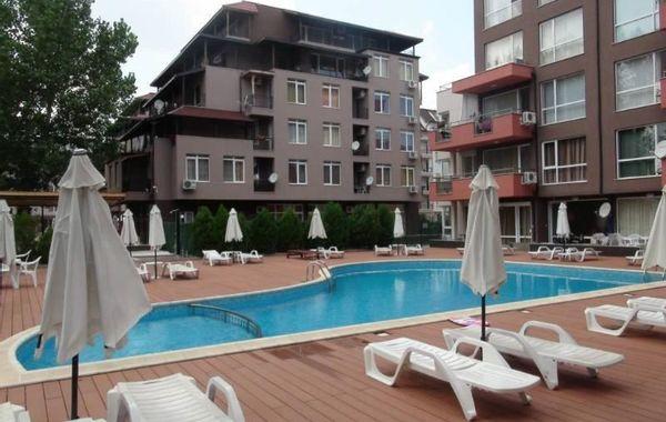тристаен апартамент слънчев бряг v5m7yyrb