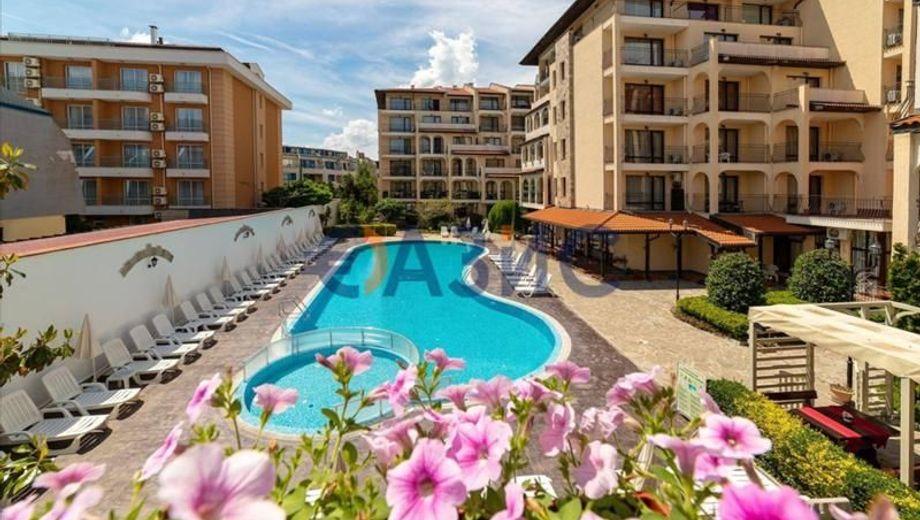 тристаен апартамент слънчев бряг ycs4j49e
