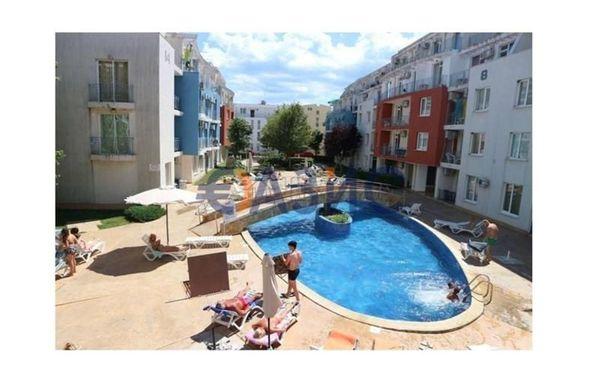 тристаен апартамент слънчев бряг yv1nnqk5
