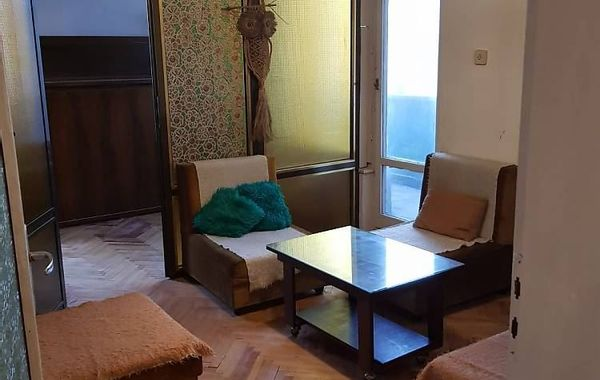 тристаен апартамент софия 1vyyj2e3