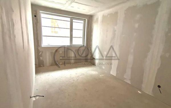 тристаен апартамент софия 211t6ey3
