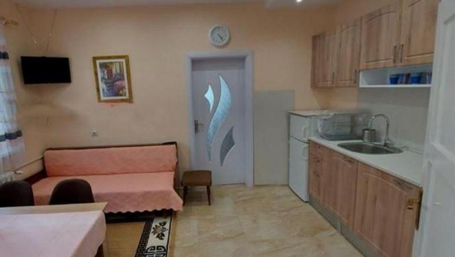 тристаен апартамент софия 2bhugb72