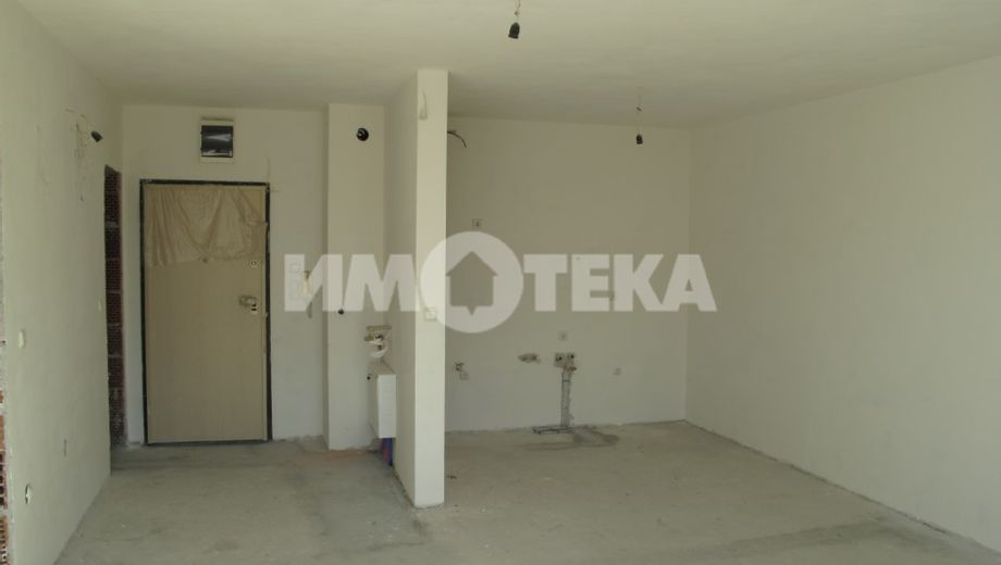 тристаен апартамент софия 2wvnqduv