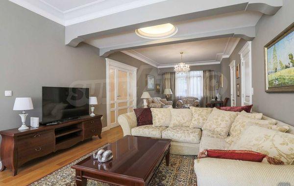 тристаен апартамент софия 38b85muf