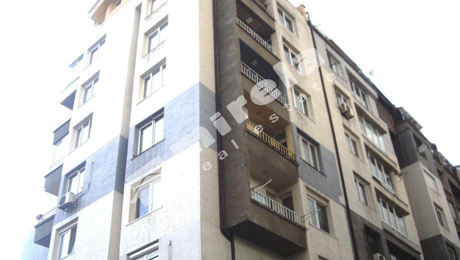 тристаен апартамент софия 52msblnb