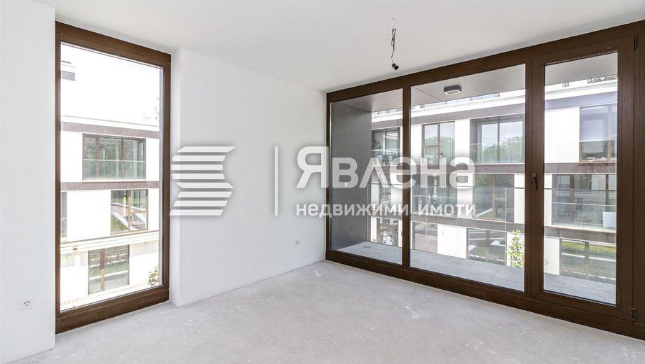 тристаен апартамент софия 6qxbnpuc