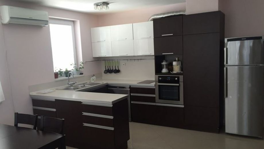 тристаен апартамент софия 6scr9bfq