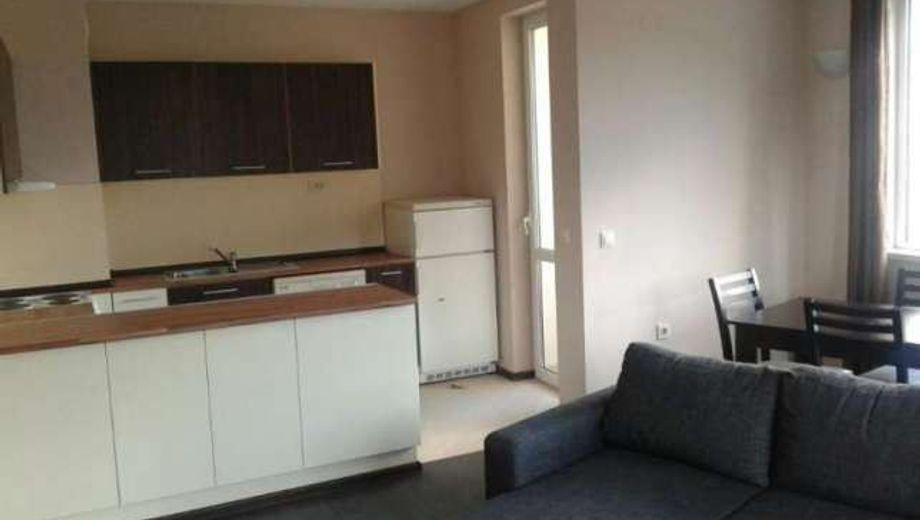 тристаен апартамент софия 7c7t2fka