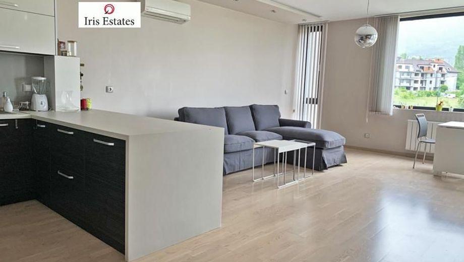 тристаен апартамент софия 7gr2r36x