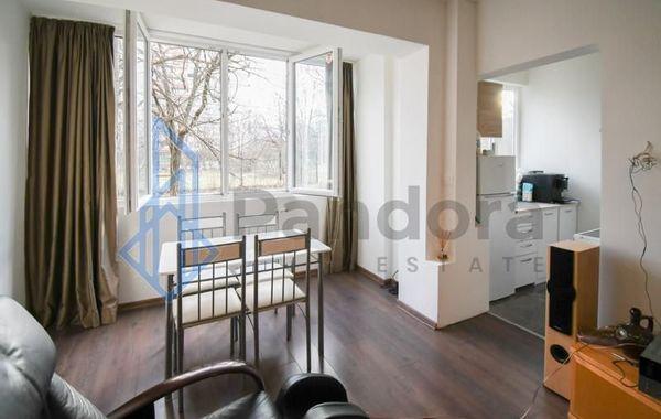 тристаен апартамент софия 86ua1b57