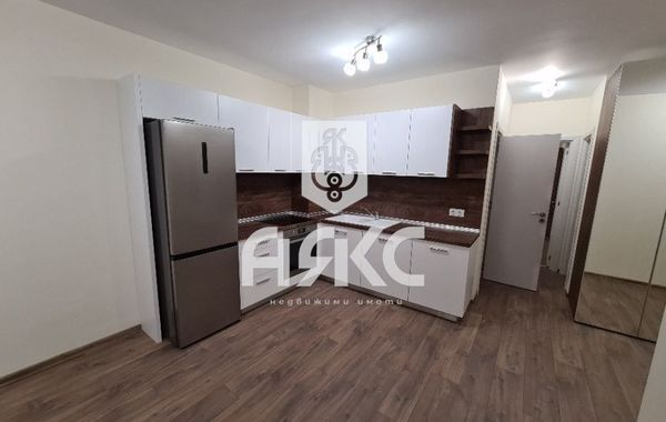 тристаен апартамент софия 8yh1pyha