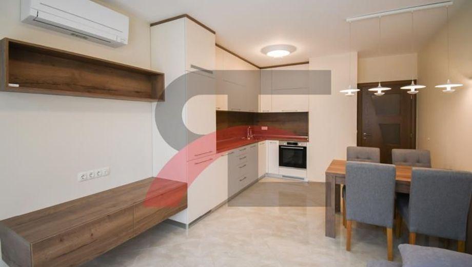 тристаен апартамент софия 9hj2vcqq