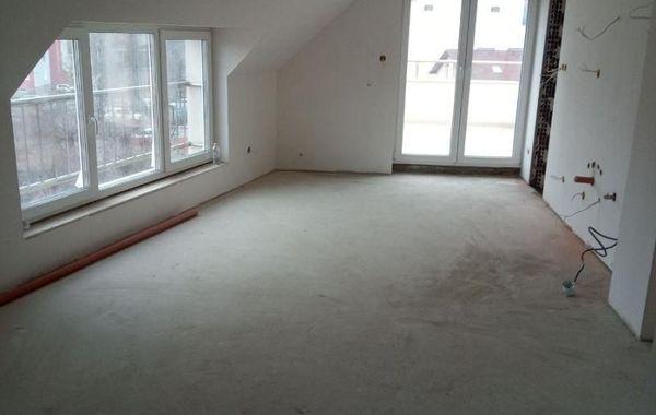 тристаен апартамент софия 9rnnq8kw