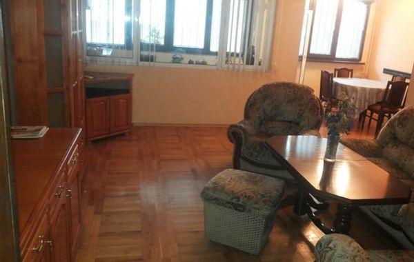 тристаен апартамент софия atsjx3x4
