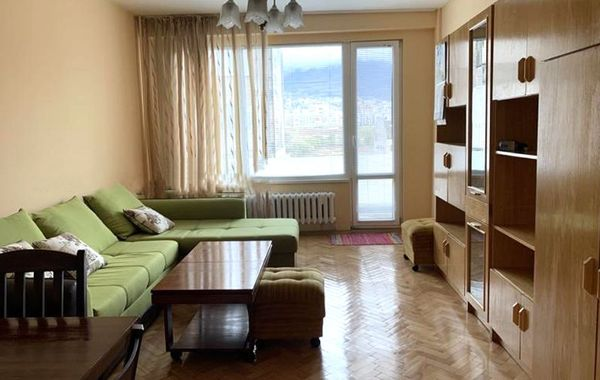тристаен апартамент софия c3mygu9r