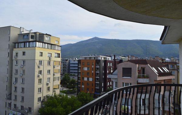 тристаен апартамент софия clfq2811