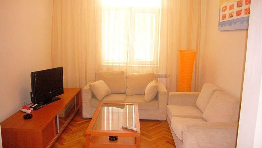 тристаен апартамент софия cq4s82ef