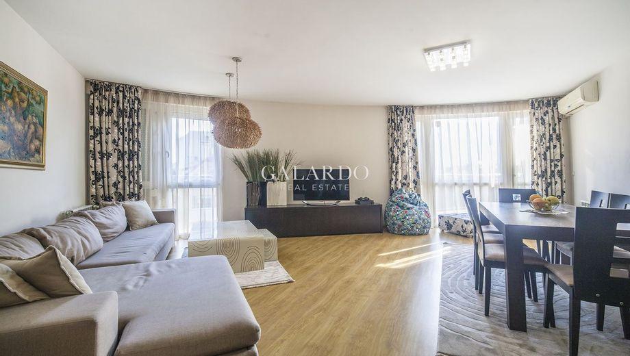 тристаен апартамент софия d3j6cb2h