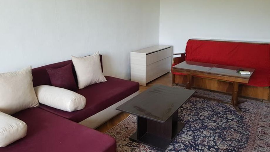 тристаен апартамент софия e5v6vhuf