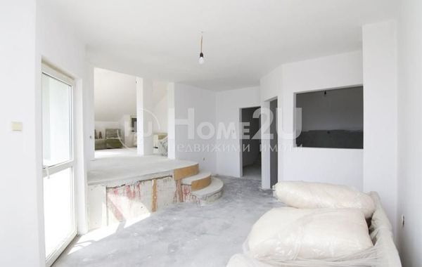 тристаен апартамент софия f7j7ursv