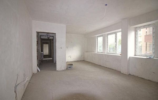 тристаен апартамент софия hew1dutg
