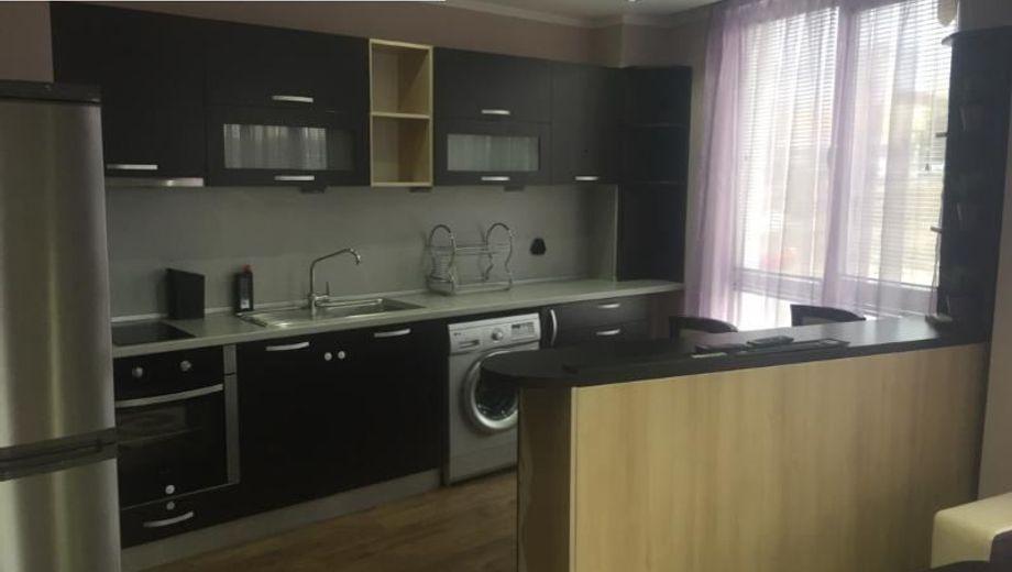 тристаен апартамент софия hty6e8mn