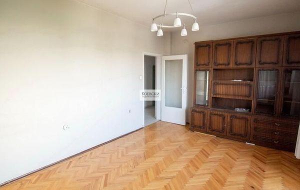 тристаен апартамент софия hw6sbb5x