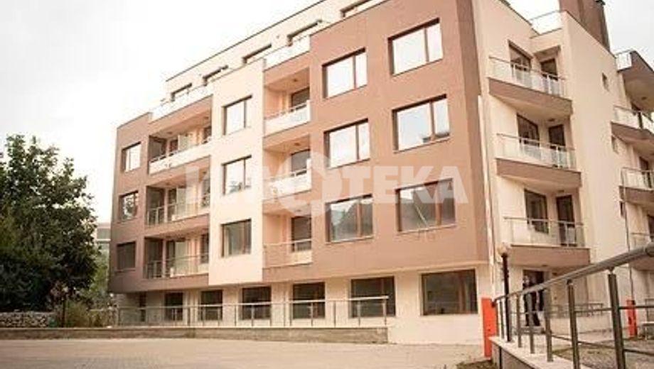 тристаен апартамент софия hyachel9