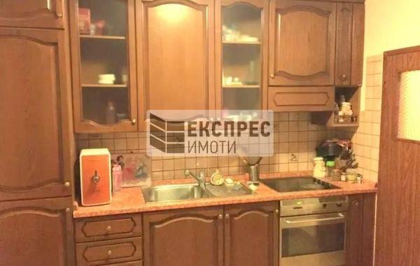 тристаен апартамент софия jnkt8nf8