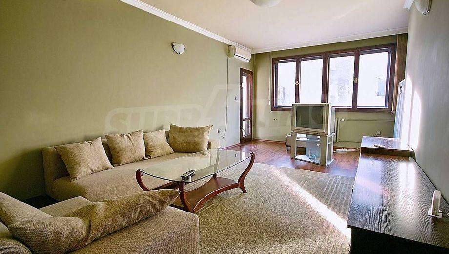 тристаен апартамент софия jt7bhuk8