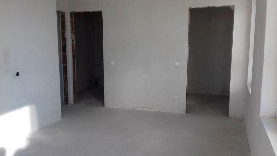 тристаен апартамент софия lt63k342