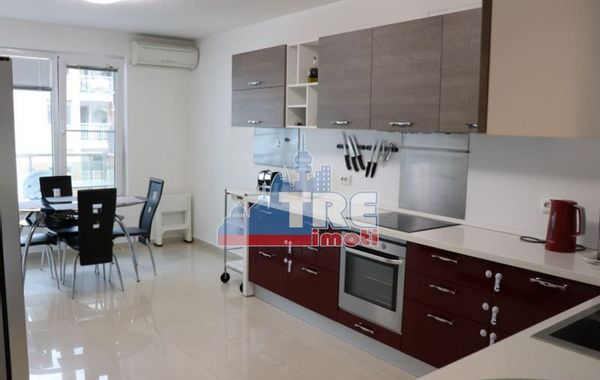 тристаен апартамент софия lvx375le