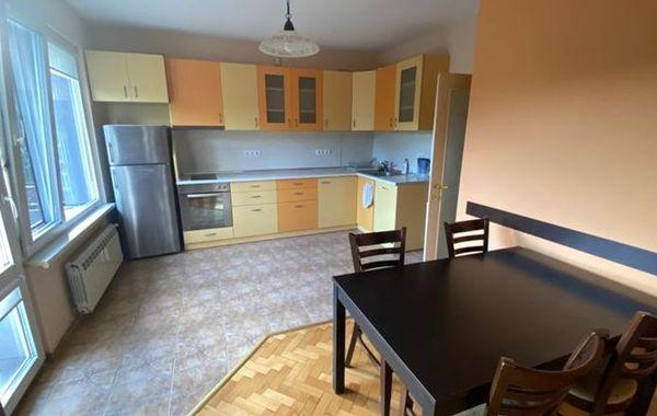 тристаен апартамент софия mr1by2k5