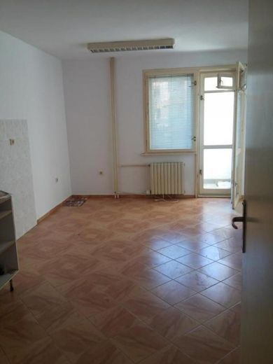 тристаен апартамент софия msx4g9tb