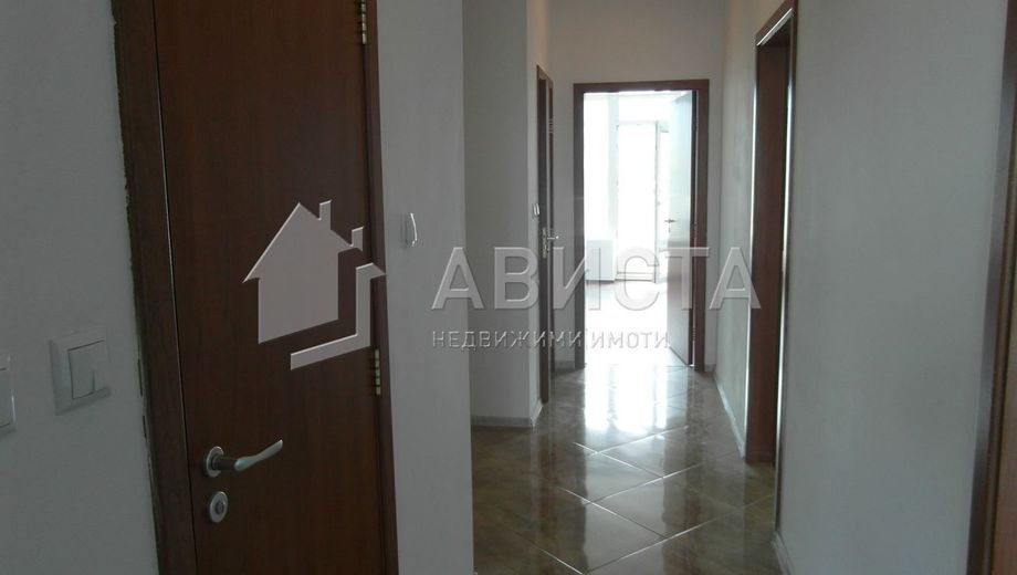 тристаен апартамент софия n3xylhuv